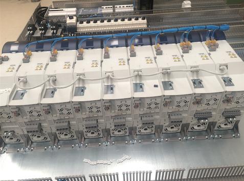 Máquina De Procesado De Piezas Mecánicas Con Alimentación Mediante Visión Artificial Y Robótica